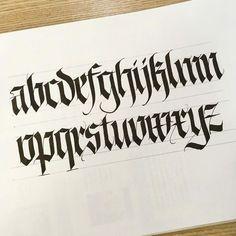 Keep writing. ⠀⠀⠀ #calligraphy #caligrafia #calligrafia #lettering #letters #letter #handlettering #handletters #handletter #blackletters #blackletter #gothic #gothics #pen #nib #practice #style #handmade #handstyle #alphabet #alfabeto #handstyle #delog