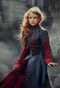 I really pinned this for the dress.) - I really pinned this for the dress… 😉 Medieval Dress, Medieval Clothing, Celtic Clothing, Viking Dress, Medieval Fashion, Mode Inspiration, Character Inspiration, Fantasy Dress, Mori Girl