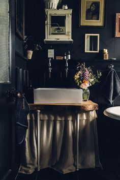 Budget Make-Over: A Dated Bathroom Becomes a Tranquil, Moody Oasis (my scandinavian home) Zen Bathroom, Small Bathroom, Master Bathroom, Washroom, White Bathroom, Home Design, Interior Design, Interior Minimalista, Bathroom Pictures