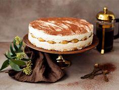 Irish cream tiramisukakku Irish Cream, Pavlova, Something Sweet, Sweet Treats, Deserts, Baking, Ethnic Recipes, Food, Sweets