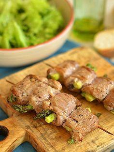 Szaszłyki z polędwiczek wieprzowych i szparagów Grilling Recipes, Food To Make, Steak, Food And Drink, Favorite Recipes, Beef, Impreza, Fitness, Gastronomia