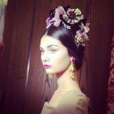 dolce-amp-gabbana-alta-moda-wiosna-lato-2014-fot-instagram-simj45-1.png