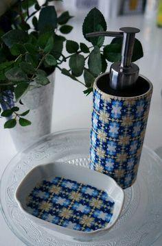 四方彩子デザイン soap bottle