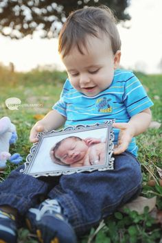one year old photo shoot, fun idea newborn picture with each years photo shoot