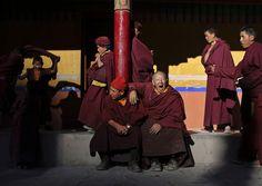 Tibetan Buddhists perform sacred dances in India - PhotoBlog