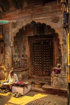 Ancient street in India with Hindu architecture from hundreds of years back. Goa India, Delhi India, Indian Architecture, Ancient Architecture, Modern Architecture, Yoga Studio Design, Amazing India, India Culture, India Travel