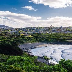 Back Beach, just on the western side of Mersey Bluff, in Devonport on Tasmania's north west coast. Image Credit: streets_of_australia