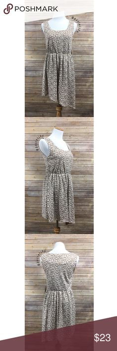 """🆕 F21 leaf dress NEW with tags, in excellent condition. missing belt, fully lined, elastic waist, asymmetrical length, perfect dress for spring and summer!  details ・small ・29.5"""" right side / 36.5"""" left side length ・17"""" bust  materials ・100% polyester  due to lighting- color of actual item may vary slightly from photos. please don't hesitate to ask questions. happy POSHing 😊  💰 use offer feature to negotiate price 🚫 i do not trade or take any transactions off poshmark Forever 21 Dresses…"""