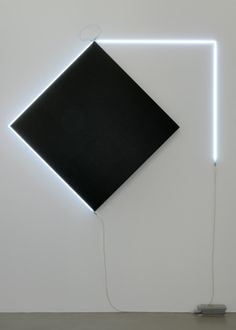françois morellet - négatif pinned by Anika Schmitt Modern Art, Contemporary Art, Neon Licht, Light And Space, Light Painting, Neon Lighting, Light Art, Geometric Art, Light And Shadow