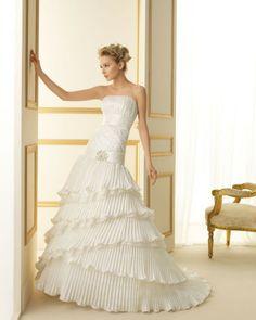 186 TUAREG / Wedding Dresses / 2013 Collection / Luna Novias