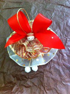 Pièce unique. Modèle rouge et or idéal pour une décoration de sapin ou de table de fêtes.  Finition superbe !