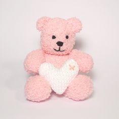 Cute little Valentines teddy knitting pattern