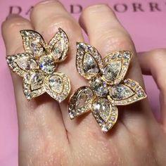 I Like Big #Rings and I Cannot Lie!   #Diamond Palm Ring by #DavidMorris via @tingyiw #luxuryjewelry #amazing #awesome #highjewelry #finejewelry #bola3jewelry