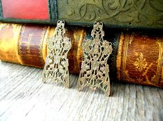 Antique Brass Filigree - Filigree Findings - Brass Findings by 2VintageGypsies on Etsy https://www.etsy.com/listing/204963719/antique-brass-filigree-filigree-findings