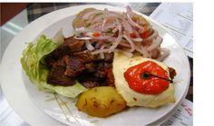 Malaya frita, salsa de patita y rocoto relleno (Arequipa)