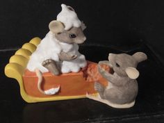Early Charming Tails Silvestri MICE EATING PUMPKIN PIE  #Figurines