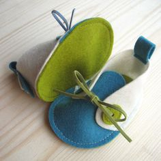 baby shoes (no pattern - just the idea)