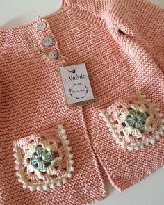 9 Tips for knitting – By Zazok Baby Knitting Patterns, Baby Cardigan Knitting Pattern, Knitting For Kids, Knitting Stitches, Knitting Yarn, Crochet Patterns, Baby Boy Sweater, Knit Baby Sweaters, Pull Bebe