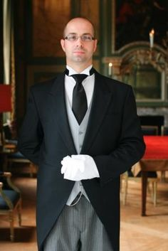 butler service 'Live The Good Life - All about Luxury Lifestyle Luxury Blog, Luxury Lifestyle, Glamour, Contexto Social, Butler Service, Employee Benefit, Town And Country, Grand Hotel, Black Tie