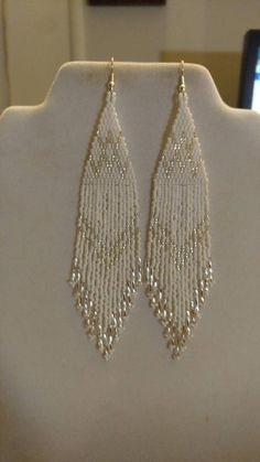 Earrings diy Native American Style Beaded White and Silver Wedding Earrings Shoulder Duster Boho, Southwestern, S Native American Style Beaded White and Silver Wedding Earrings Seed Bead Jewelry, Bead Jewellery, Seed Bead Earrings, Beaded Jewelry, Hoop Earrings, Silver Earrings, Fringe Earrings, Jewellery Making, Silver Ring