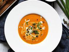 Пряный морковный суп с кокосовым молоком