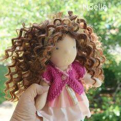 Noelle is ready for a loving home for Christmas  Link in bio #handmadedoll #debssteinerdolls #debssteinerdolls #dollforchristmas #steinerdoll #waldorfdoll #buysmall #buyhandmade #supportsmallbusiness #shopsmall #shophandmade #naturaltoy #doll #dollmaker #dollstagram