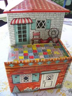 Vintage 50's tin doll house