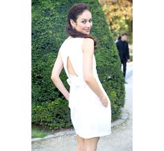 L'actrice Olga Kurylenko en Dior   #ParisFashionWeek, #streetstyle