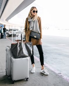 outfit What to wear to the airport in the winter today on Fashion Jackson // liketokno. -travel outfit What to wear to the airport in the winter today on Fashion Jackson // liketokno. - 15 Comfortable (and Stylish) Outfits for Holiday Travel Airport Style Travel Outfits, Travel Style, Air Travel Outfits, Comfy Airport Outfit, Plane Outfit, Airport Fashion, Winter Travel Outfit, Comfy Travel Outfit, Fashion Outfits