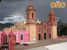 LAS MEJORES RUTAS DE AUTOBUSES. Durante el mes de diciembre, viaje a la ciudad de Huajuapan de León en Oaxaca y descubra de toda la cultura y tradiciones que en ella le aguardan. En Autobuses Oro le transportamos de manera confiable y segura hasta su destino. Le invitamos a conocer los diferentes horarios con los que contamos y los destinos a los que viajamos a través de nuestra página de internet. www.autobusesesoro.com