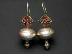 Afghani earrings - silver with red and green stones Tribal Jewelry, Indian Jewelry, Boho Jewelry, Jewelery, Silver Jewelry, Fine Jewelry, Fashion Jewelry, 925 Silver, Silver Ring