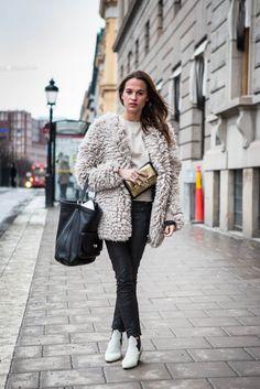 http://www.helenabordon.com/best-dressed-alicia-vikander/