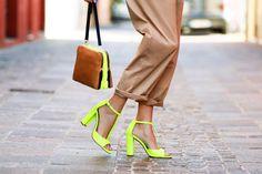 Calçados Femininos Bombas 2014 Verão T Com Fluorescente Cor Grosso Com Sandálias de Sexy Peixe Boca Mulheres Salto Alto Sapatos Femininos US $35.99