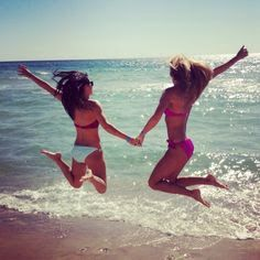 Marilyn barnicke belleghem, a registered marriage and family therapist, offers some insight into what makes the bond between best friends so special — and I Love The Beach, Beach Fun, Beach Trip, Summer Beach, Summer Time, Beach Ideas, Summer 2014, Spring Break, Cute Beach Pictures