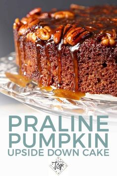 Combine two favorite fall flavors to make the ULTIMATE autumnal dessert: Praline Pumpkin Upside Down Cake! Drizzled with bourbon caramel sauce for the finishing touch, this cake is decadent perfection! Use flax eggs and non dairy butter for vegan. Fall Desserts, Just Desserts, Delicious Desserts, Dessert Recipes, Thanksgiving Desserts Easy, Awesome Desserts, Dessert Food, Pumpkin Upside Down Cake, Upside Down Cakes