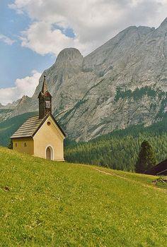 Chiesetta di Verra Val di Fassa Dolomiti  #TuscanyAgriturismoGiratola