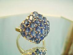 Online veilinghuis Catawiki: Saffier ring saffier-clusterring  blauwe ovaal gefacetteerde saffieren samen 5,19 ct.