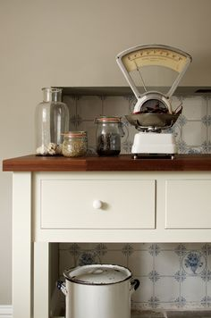 The Wymeswold Shaker Kitchen by deVOL.