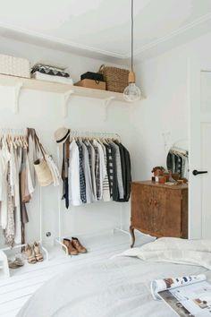 드레스룸 세팅의 예 closet ideas - bass0000 | Vingle | 일본 패션 뷰티, 오피스 인테리어, 홈 인테리어 & 데코