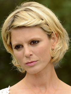 The changing face and hair of Emilia Fox - CelebsNow Susie Dent, Fox Actress, Edward Fox, Emilia Fox, Laurence Fox, Evangeline Lilly, English Actresses, Pale Skin, Celebs