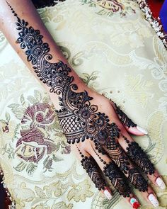 I am on a Bridal Henna Appointment. Please bear with my late or one word replies… I am on a Bridal Henna Appointment. Please bear with my late or one word replies. Henna Hand Designs, Mehndi Designs For Girls, Modern Mehndi Designs, Bridal Henna Designs, Mehndi Design Pictures, Dulhan Mehndi Designs, Mehndi Designs For Fingers, Beautiful Henna Designs, Latest Mehndi Designs