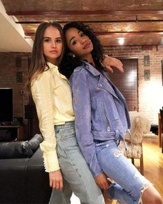 """""""Debby Ryan and Erinn Westbrook """" Insatiable Netflix, Cami Mendes, Celebrity Stars, Celebrity Guys, Disney Channel Stars, Debby Ryan, Girl Photography Poses, Teenager Outfits, Hugh Jackman"""