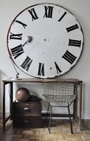 Le Vide Grenier d'une Parisienne    Would love to be able to afford this vintage clock face!