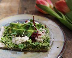 Broccoli Pesto Pizza with Macadamia Cauliflower Ricotta (Vegan & Gluten Free)