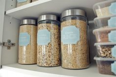 Makes me want to organize my cupboards! DIY storage labels