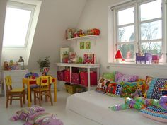 Pretty colours - fun way to put a Montessori style floor bed and spruce up with pillows. Boy Room, Kids Room, Montessori Bedroom, Montessori Toddler, Maria Montessori, Kids Corner, Little Girl Rooms, Kid Spaces, Kids Decor