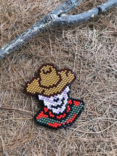 Brooch Freddy Krueger nightmare on elm street Halloween Peyote Patterns, Beading Patterns, Cross Stitch Patterns, Halloween Beads, Halloween Jewelry, Brick Stitch Earrings, Pearler Beads, Nightmare On Elm Street, Freddy Krueger