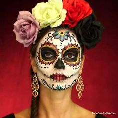 Classic Dia de Los Muertos – Celebrate Day of the Dead With These Sugar Skull Makeup Ideas – Photos Loading. Classic Dia de Los Muertos – Celebrate Day of the Dead With These Sugar Skull Makeup Ideas – Photos Halloween Makeup Sugar Skull, Sugar Skull Makeup, Skeleton Makeup, Sugar Skull Costume, Skull Face Makeup, Sugar Skull Face Paint, Costume Makeup, Party Makeup, Uk Makeup