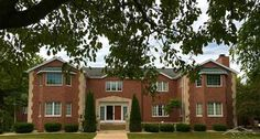 6 Bedrooms, 6 Full/1 Half Bathrooms, 6,368 Sq Ft., Price: $799,000, #: 31296656, Courtesy: White Realty