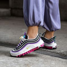 Nike Air Wmns Max 97 in weiss - 921733 106 Sneakers Mode, Wedge Sneakers, Best Sneakers, Air Max Sneakers, Sneakers Fashion, Air Max 1, Nike Air Max, Air Max 97 Outfit, Sneaker Trend